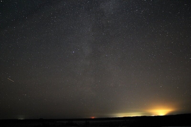 Млечный путь, звёздное набо и зарево от Котельнича на горизонте 23 ноября 2014 г. Астрономический выезд в Шалегово (Оричи, Кировская область)