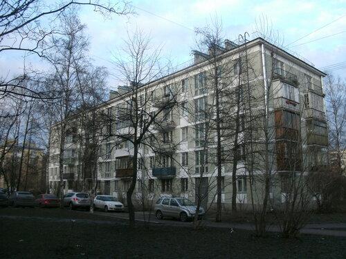 ул. Типанова 11