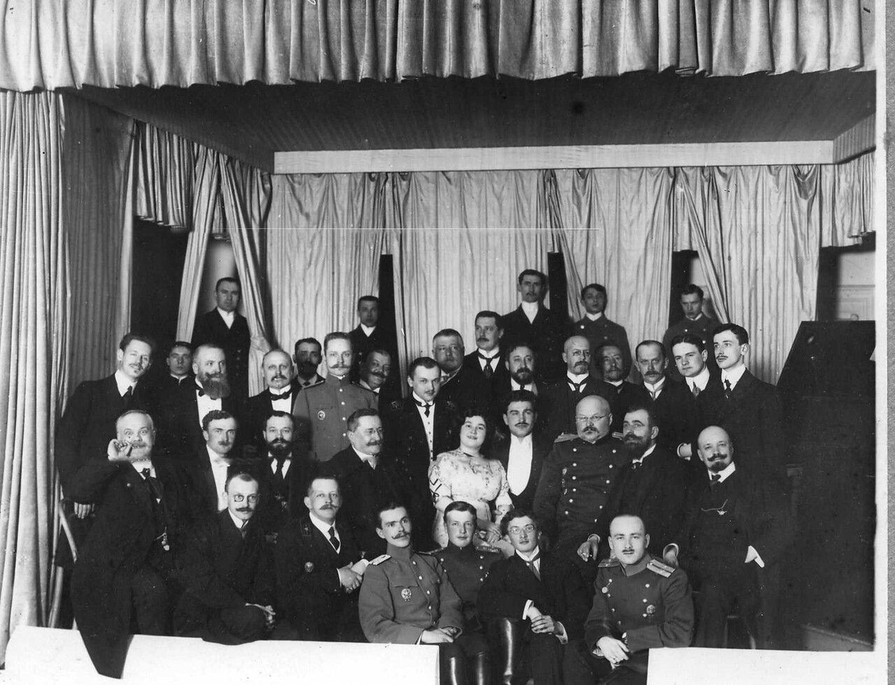22. Группа членов клуба. 1912