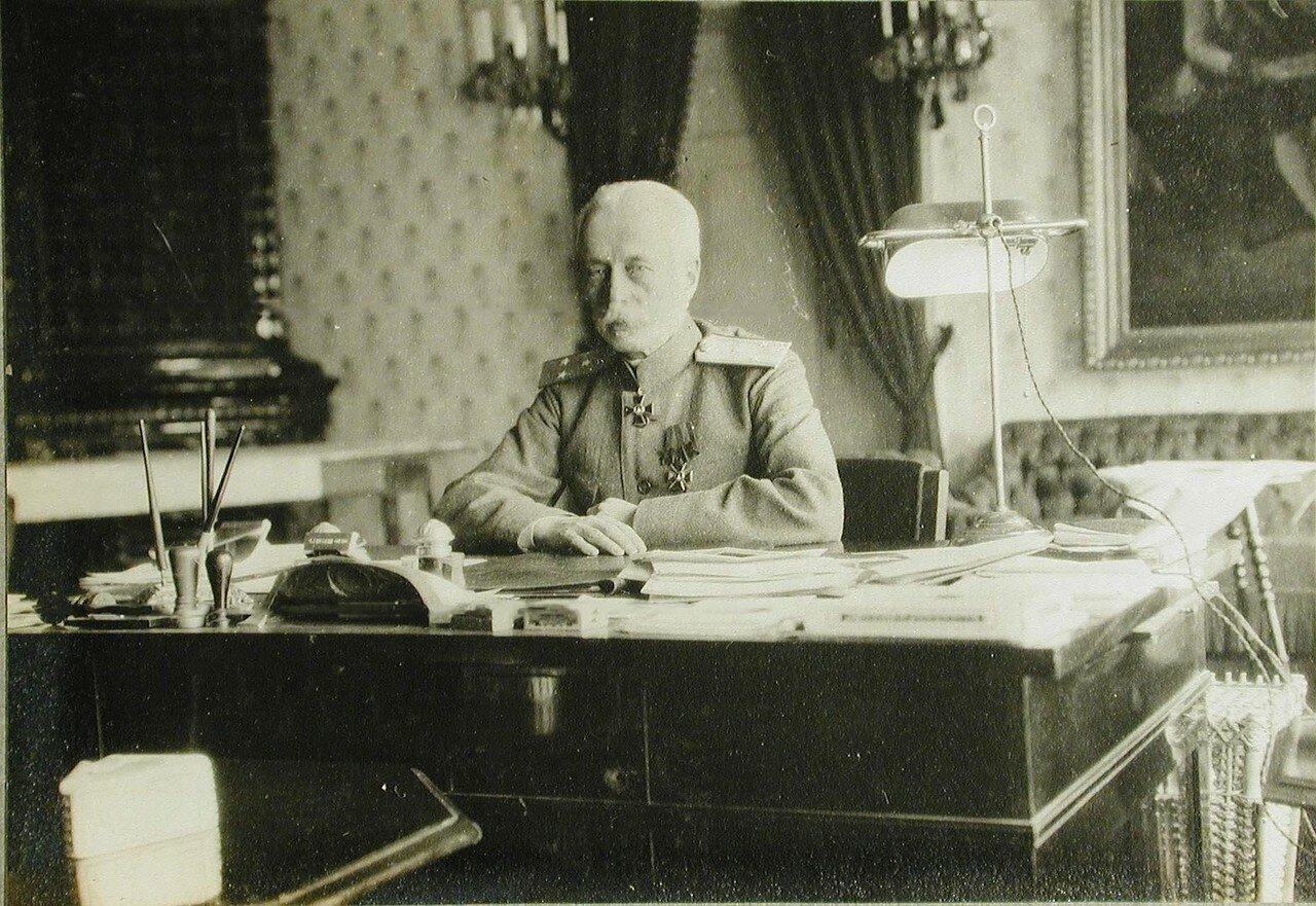 53.Губернатор Галиции в своем кабинете. Лемберг