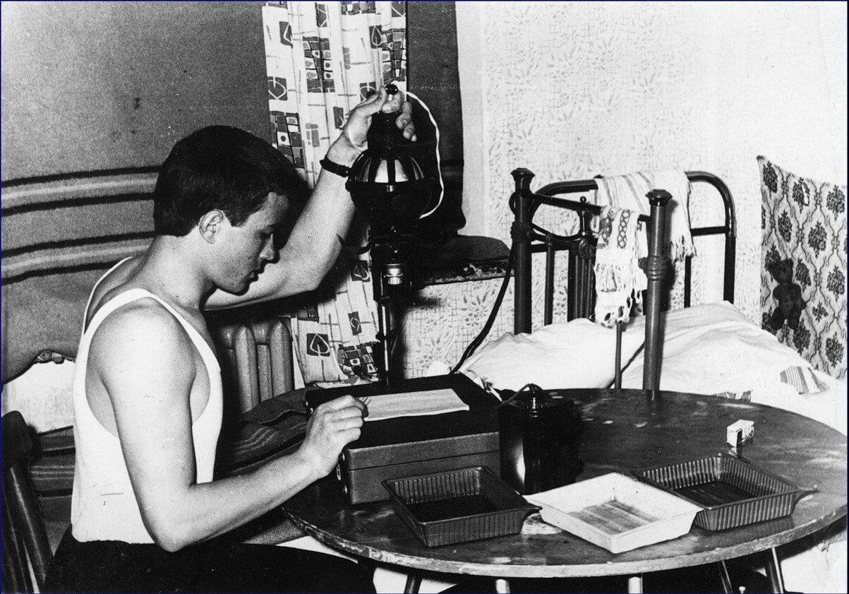 1966.Фотолаборатория в студенческом общежитии инженерно-строительного института