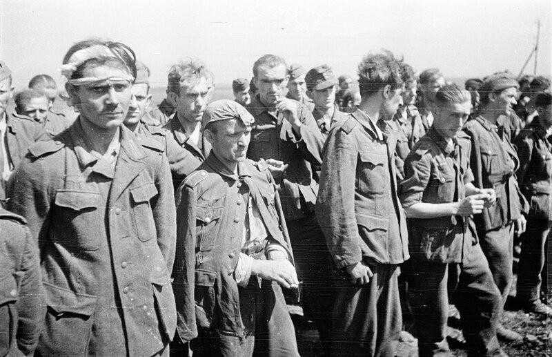 пленные немцы, немецкие военнопленные, немцы в плену, немцы в советском плену, пленные немцы в советской армии, немецкий солдат