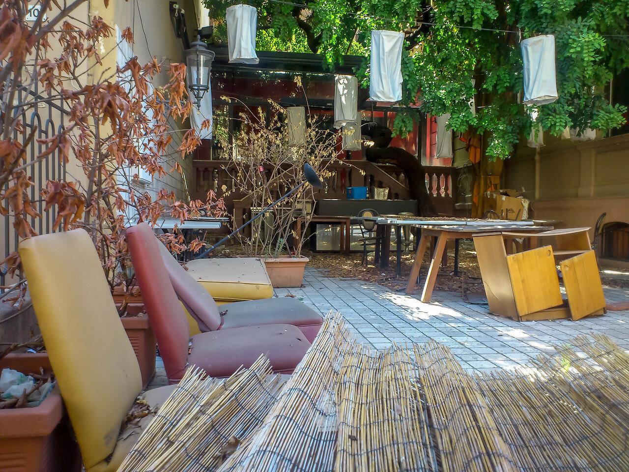Заброшенное кафе в центре Палермо
