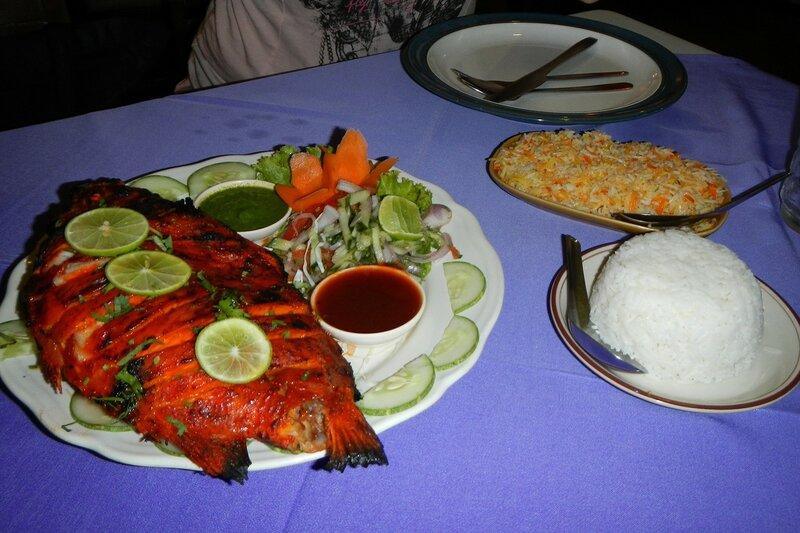 Рыба на гриле с овощами и индийский рис