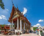 В храме Стоящего Будды