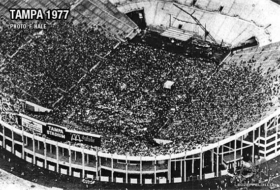 1977-06-03_full_stadium.jpg