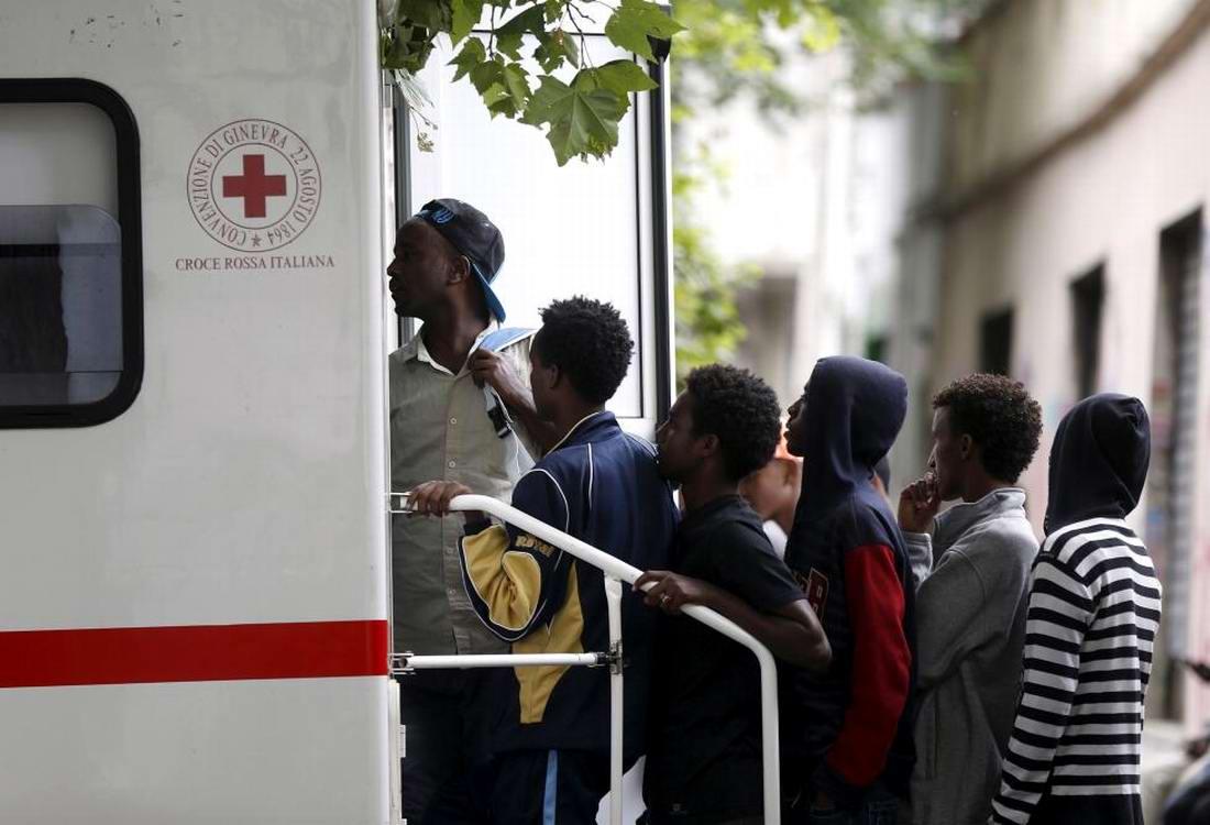 Ж/д вокзал итальянского Милана превратился в бомжатник: Миграционная политика ЕС (5)