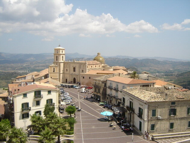 Санта Северина. Италия
