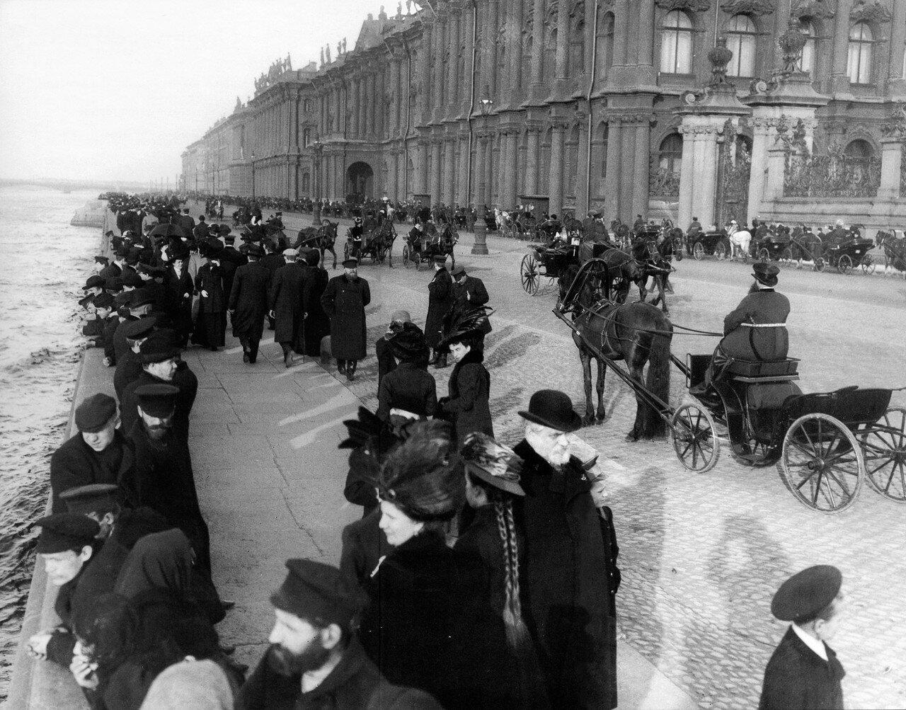 Дворцовая набережная . 1906