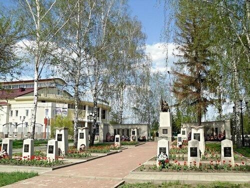 Мемориал левый
