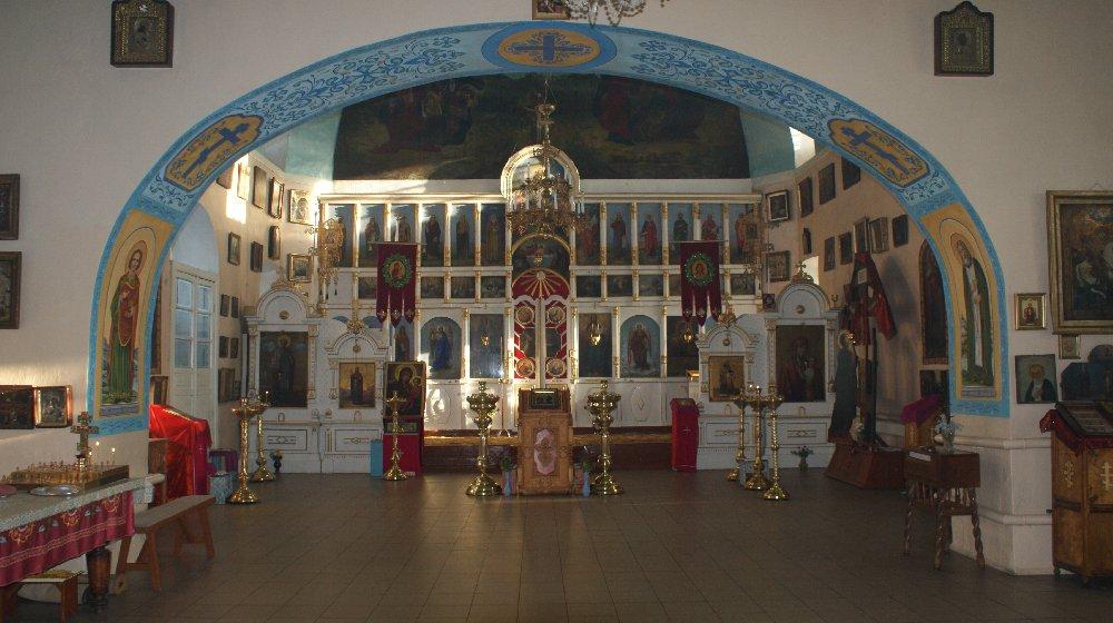 Внутреннее убранство православного храма вКусе (04.02.2015)