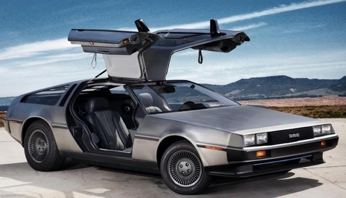 Легендарный спортивный автомобиль DeLorean DMC-12 был создан DeLorean Motor Company, и производился