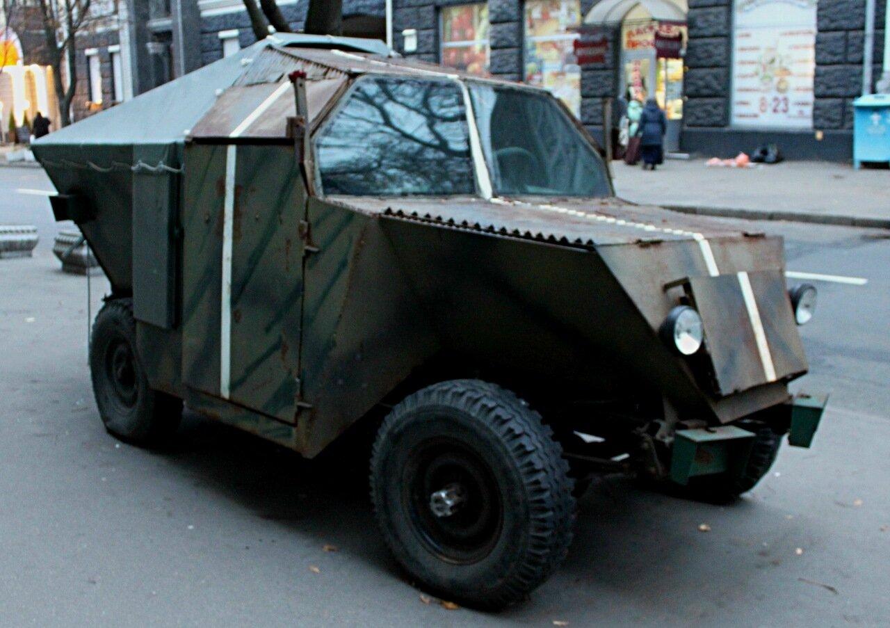 Выставка военной техники в Крепостном переулке