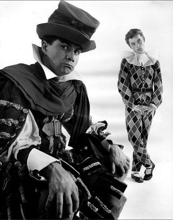 1950. Мишель Галабрю (Комическая иллюзия Корнеля) и Жан-Поль Руссиллон