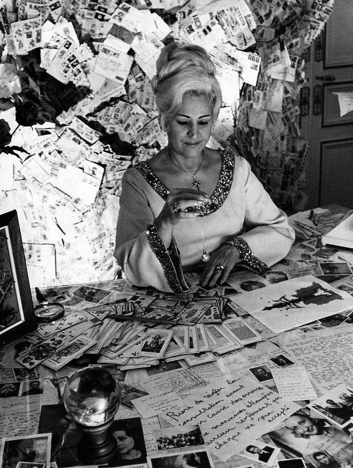 1972. Г-жа Кармен Мартинес, Париж, ясновидящая