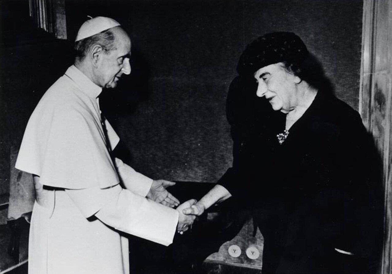 1973.  Голда Меир и Папа Павел VI в Ватикане
