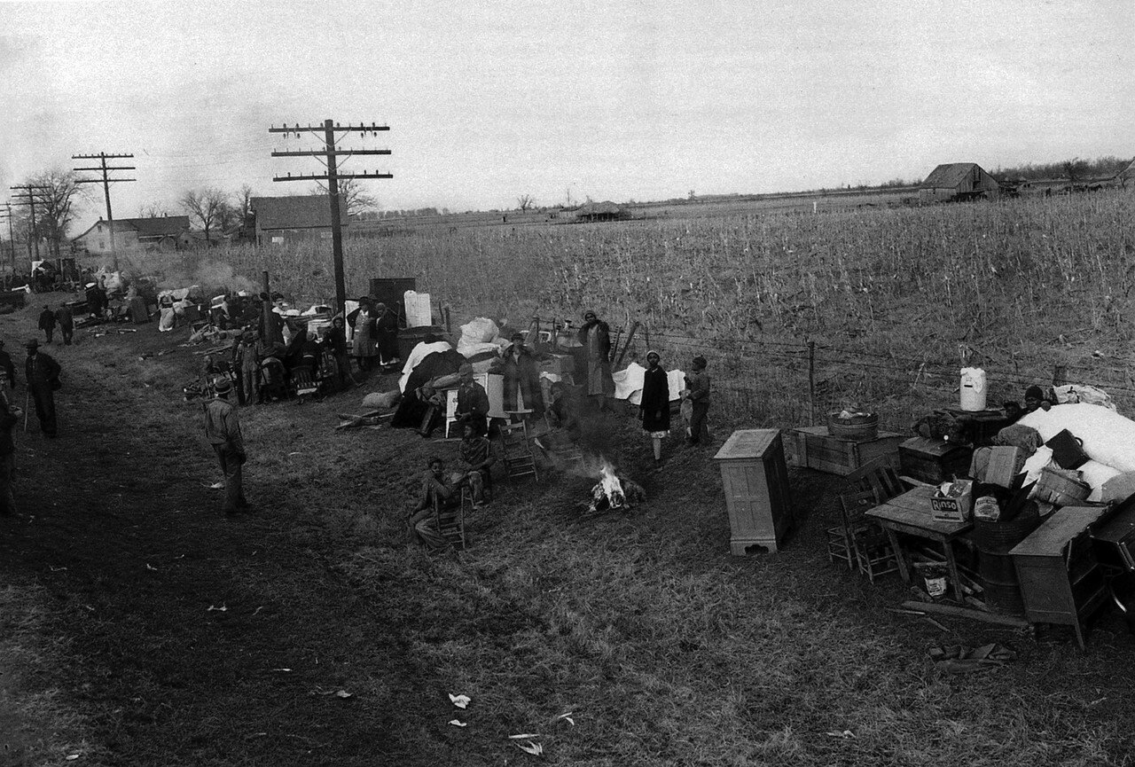 1939. Январь. Изгнанные издольщики на шоссе 60, Миссури