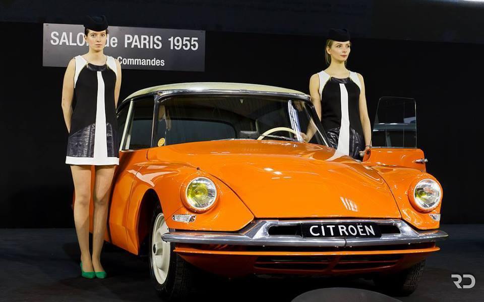 Citroën DS 19 - Salon de l'Auto Paris 1955.jpg