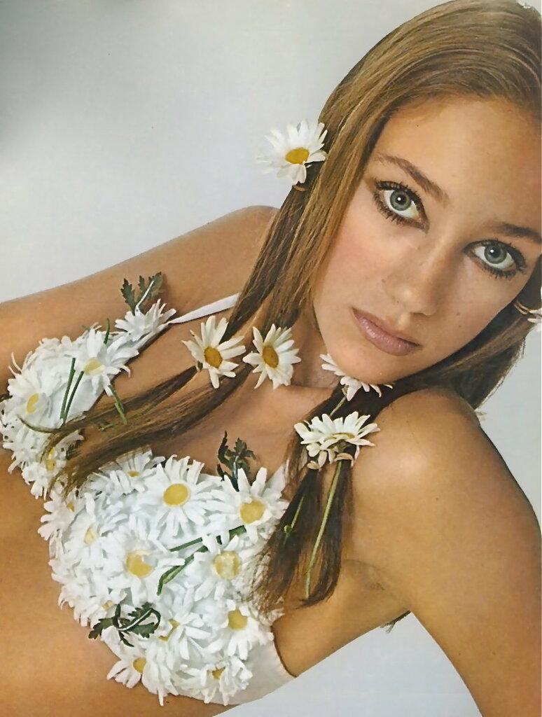 Marisa Berenson by Bob Richardson for Vogue, 1968.jpg