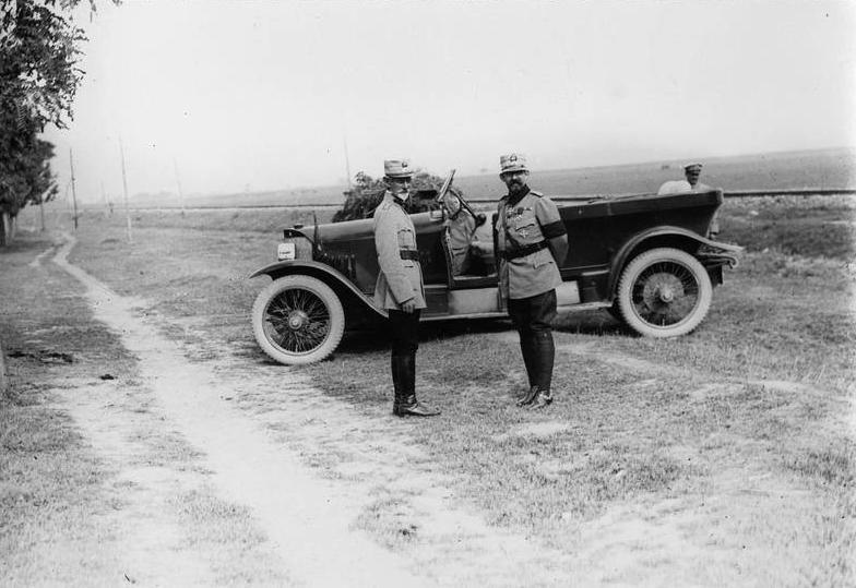 generalul-averescu-si-regele-ferdinand-1917-world-war-world-war-1-ww1-romania.jpg