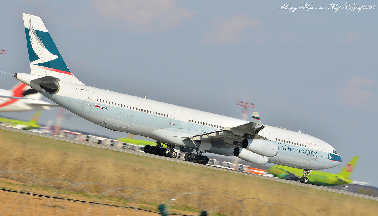 B-HXF Airbus A340-313 Cathay Pacific