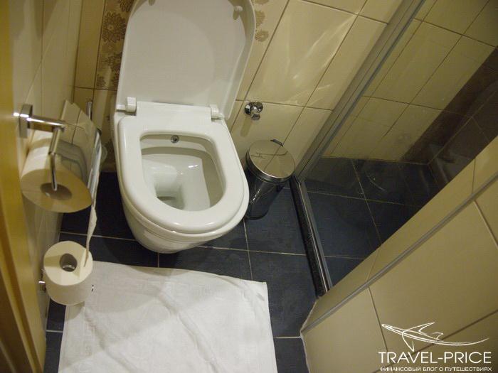 туалет в отеле Bunkahaus