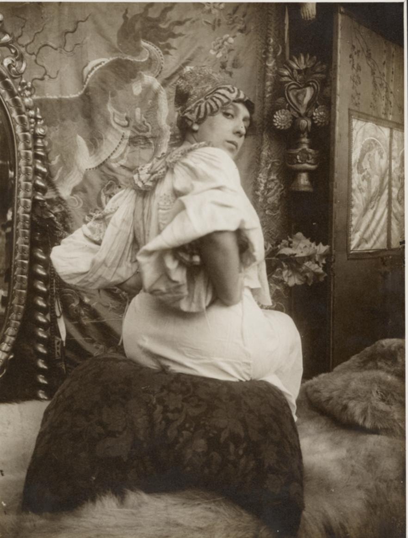 1899. Сидящая модель перед зеркалом, Париж