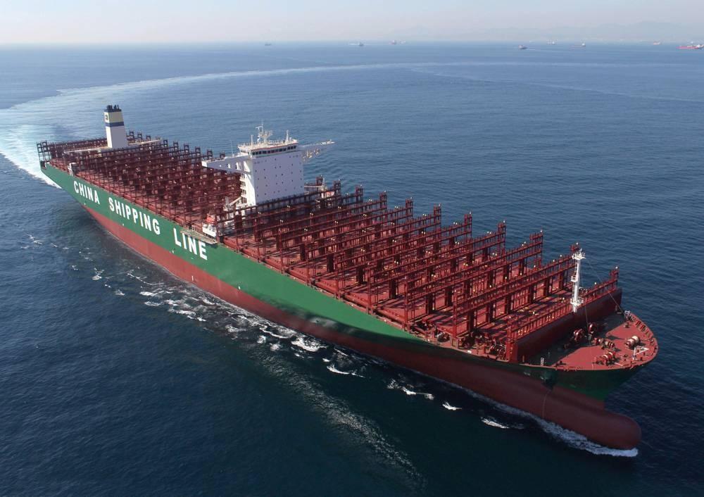 Самый длинный в мире контейнеровоз