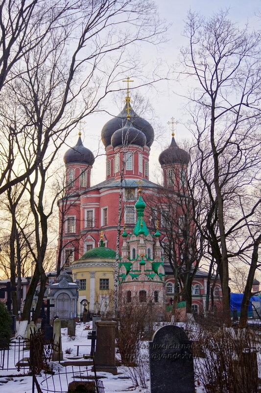 Церковь Иоанна Лествичника, Церковь Александра Свирского и собор Донской иконы Божией Матери, Донской монастырь, Москва