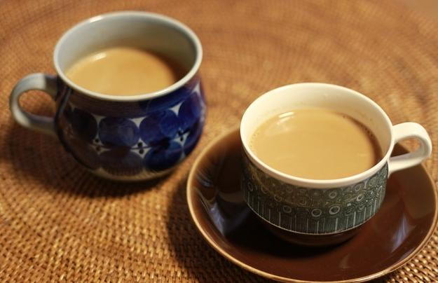 Чай смолоком вредит здоровью человека— Ученые