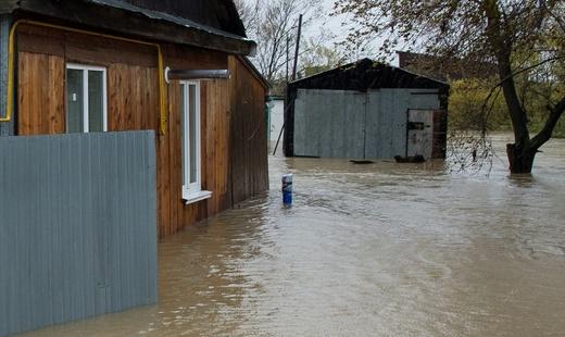 НаКамчатке из-за паводка подтоплена база отдыха