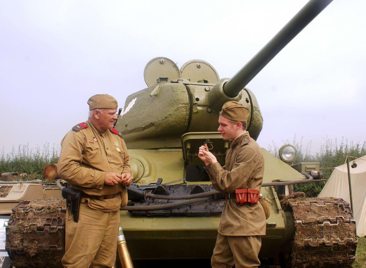Солдаты Советской Армии в британских реконструкциях сражений 2-й мировой войны (31)
