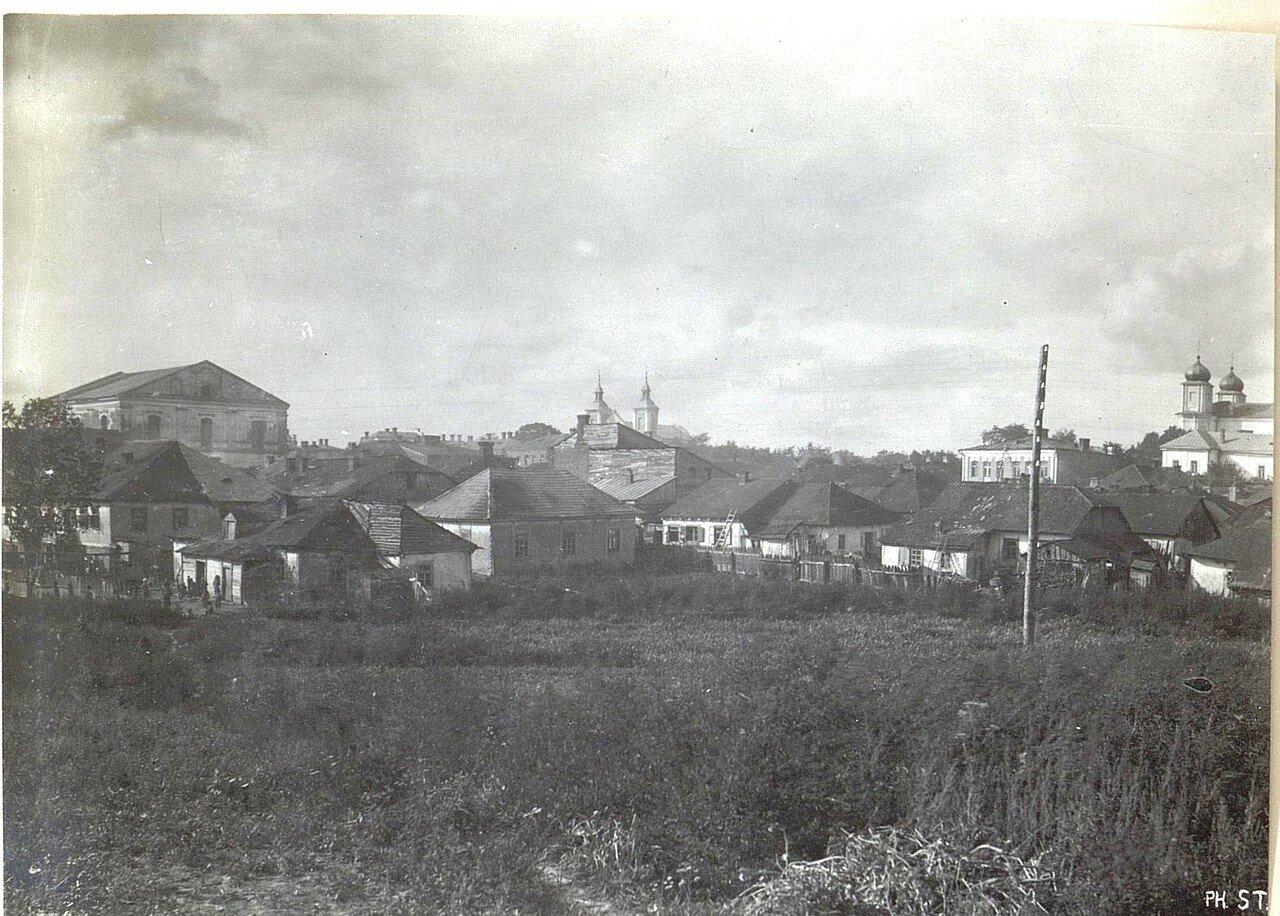 Район с синагогой и католической церковью