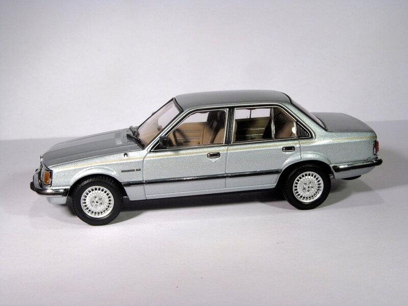 Holden VB Commodore SL/R [Biante 1:43]