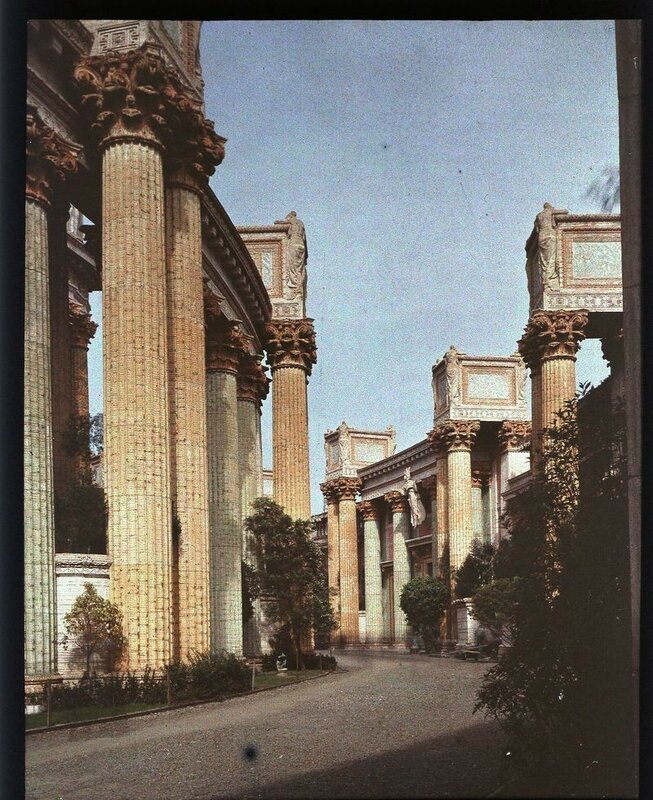 1915 Panama-Pacific-Exposition Colonnades, Palace of Fine Arts.jpg