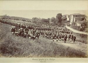 Офицерите пред празничната шатра за полкови празник в лагера на 3-та Гвардейска пехотна дивизия край Яръм-Бургас (днес Кумбургас, Турция), август 1878 г.