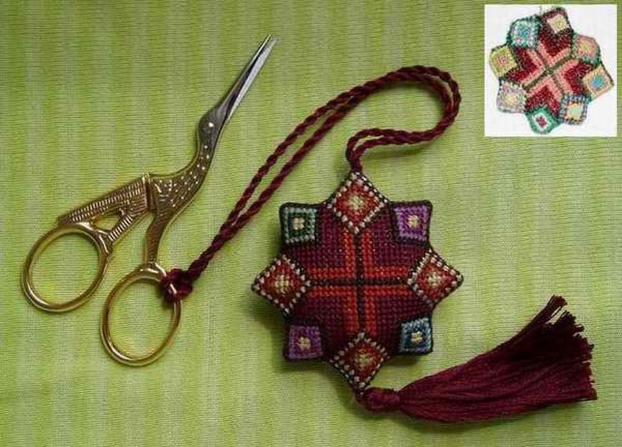 Маячок для ножниц схемы вышивки крестом