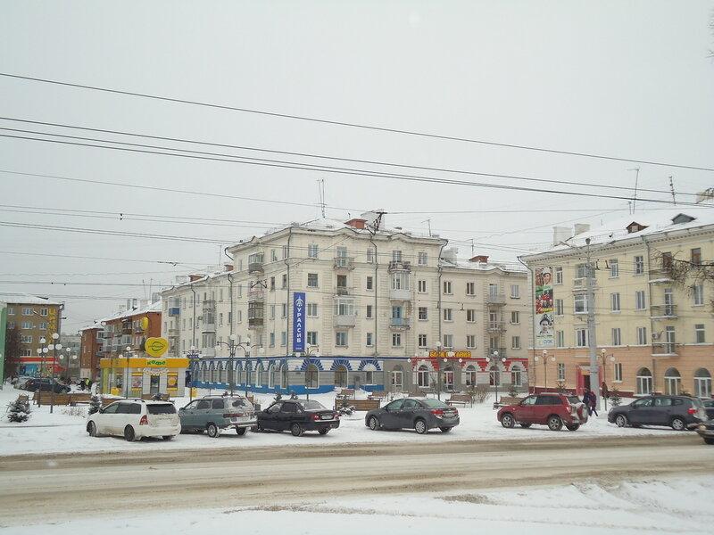 г. Ленинск-Кузнецкий. Здание на площади Победы