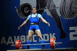 Приморские спортсмены завоевали награды на Первенстве России по пауэрлифтингу среди ветеранов