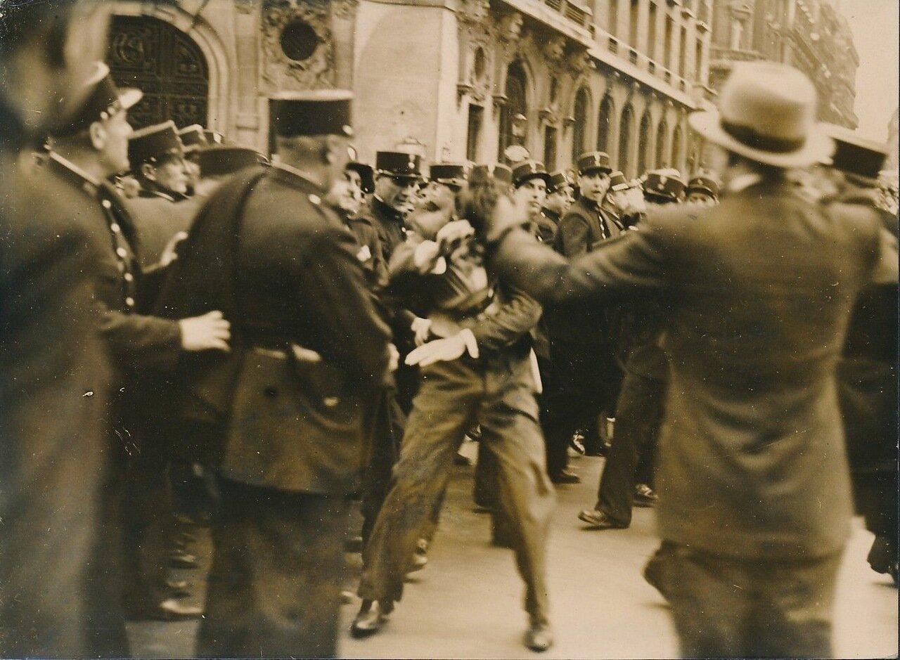 1936. Столкновения с полицией на Елисейских полях