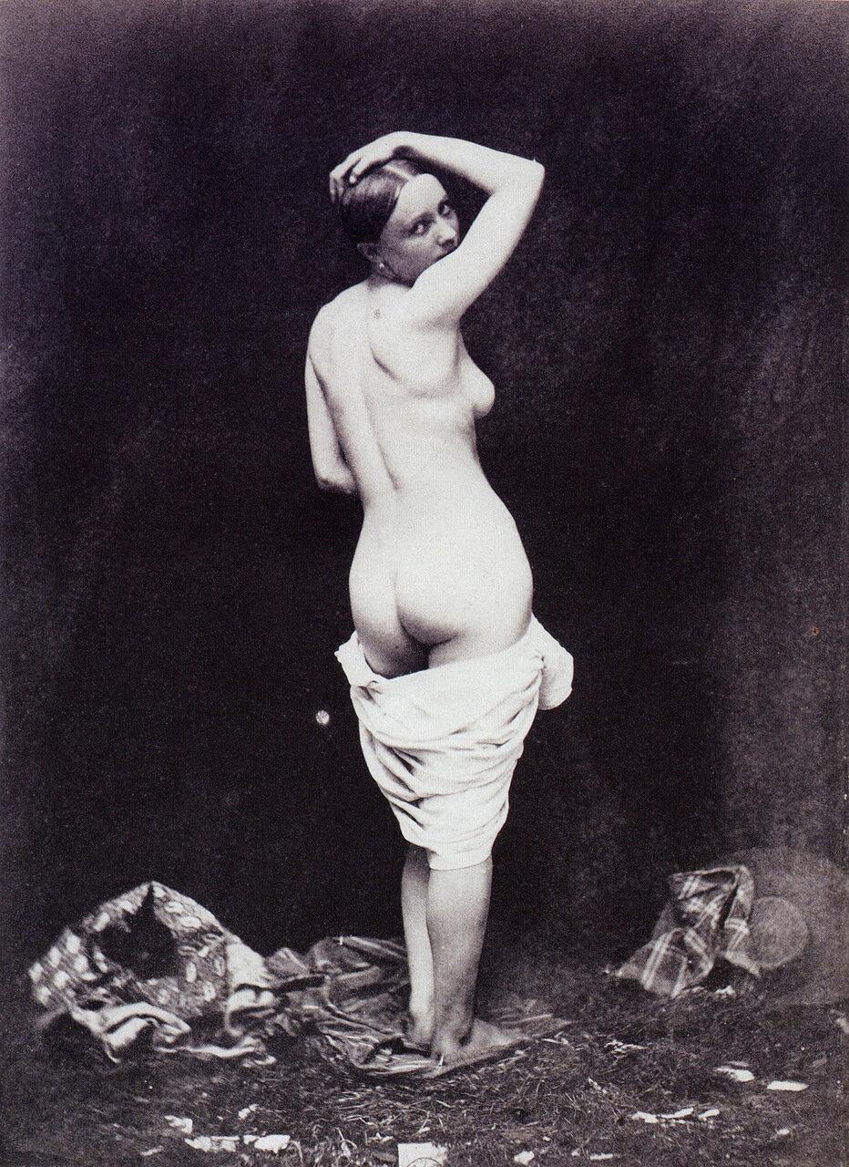 1849. Обнаженная среди разбросанной одежды