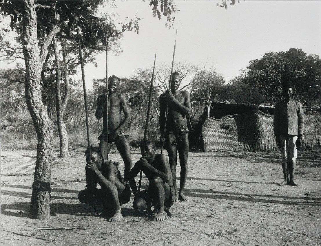 1910. Сенегал. Охотники волоф,