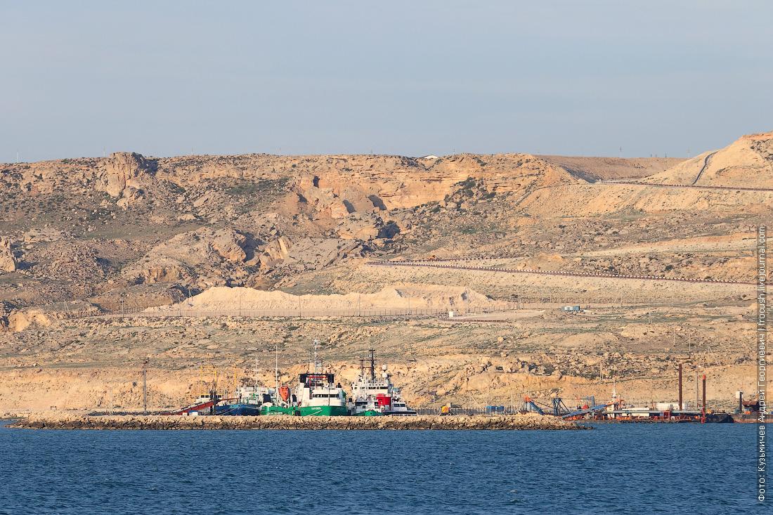 фото полуострова Мангышлак с борта теплохода Русь Великая