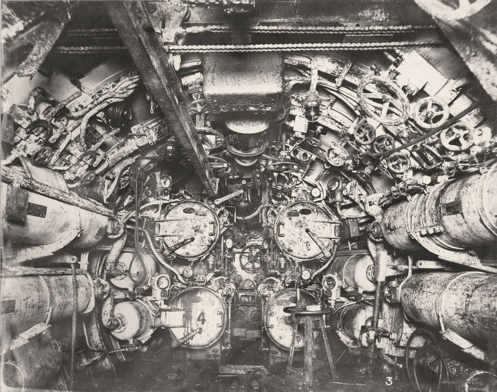 U-boat 110 (1918) after being raised from the North Sea280.jpg