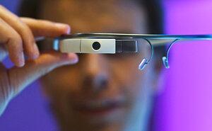 Google прекращает продавать Google Glass