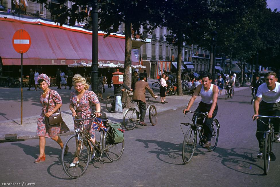 1944 Paris august 26 Frank Scherschel.jpg