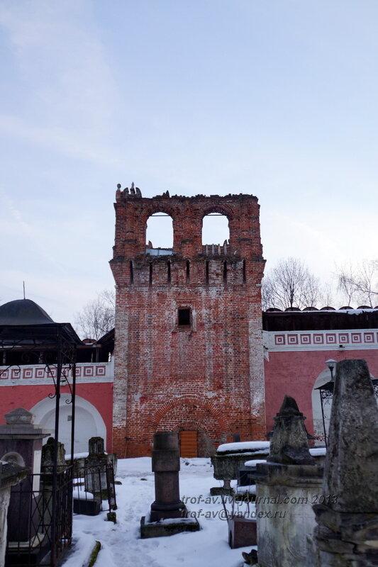 Квадратная башня южной стены, Донской монастырь, Москва