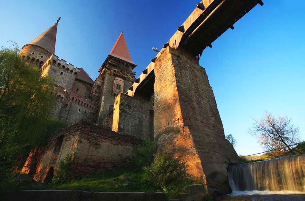 CorvinovCastle_beautifulplace_.jpg