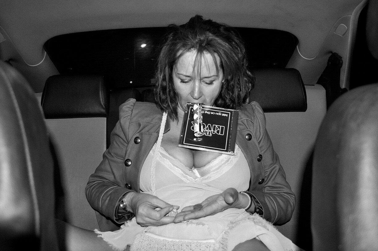 Сосущие телки в такси, После вечера с подружками тёлочка заказывает такси 13 фотография