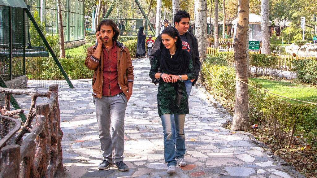 T одеваются девушки в иране фото